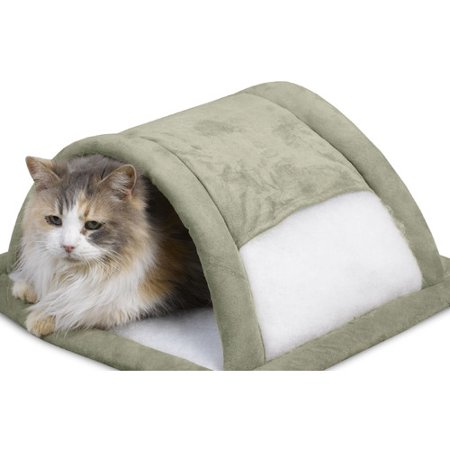 Aspen Pet Attract-O-Mat Pet Tunnel, Color May Vary ()
