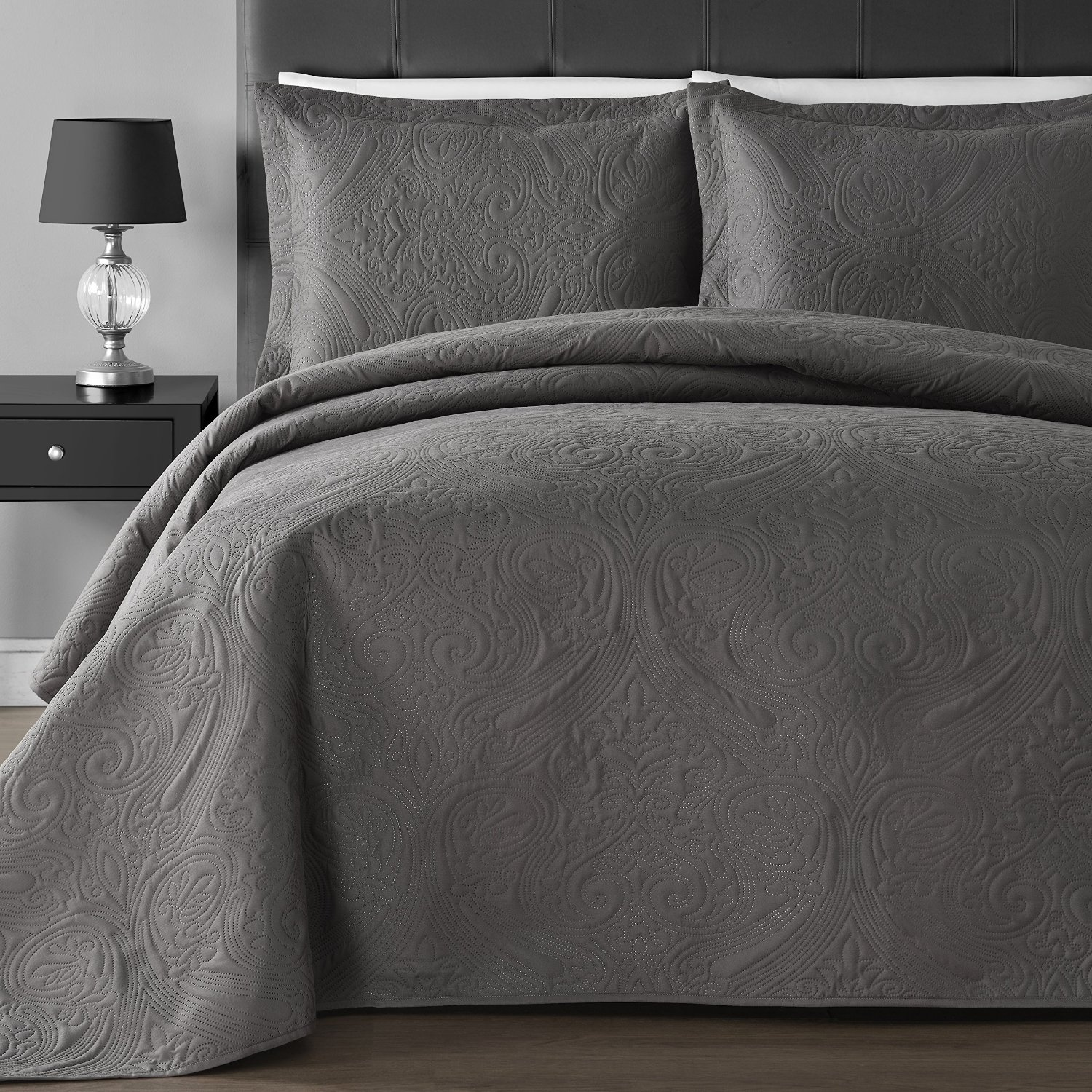 Extra Lightweight Staniey Collection Floral 3-piece Coverlet Set by Staniey Collection