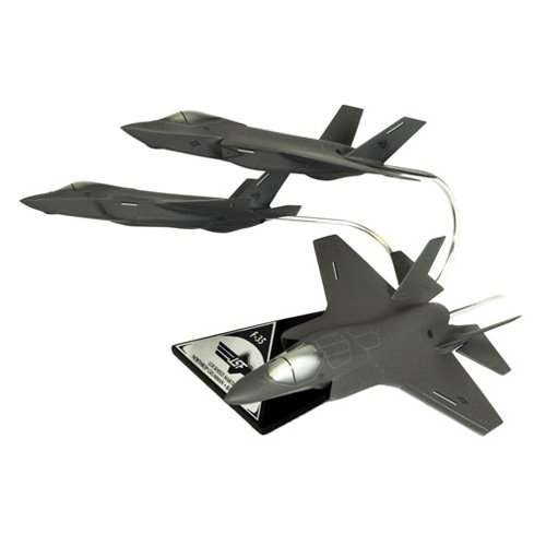 Daron Worldwide Joint Strike Fighter Collection Model Airplane by Toys and Models Corporation