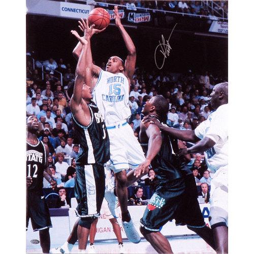 NCAA - Vince Carter North Carolina Tar Heels Autographed 16x20 Photograph
