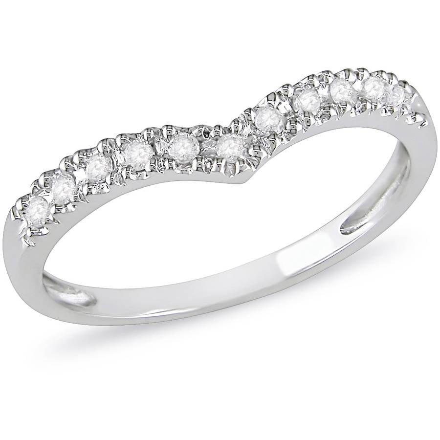 1/6 Carat T.W. Diamond Chevron Ring in 10kt White Gold