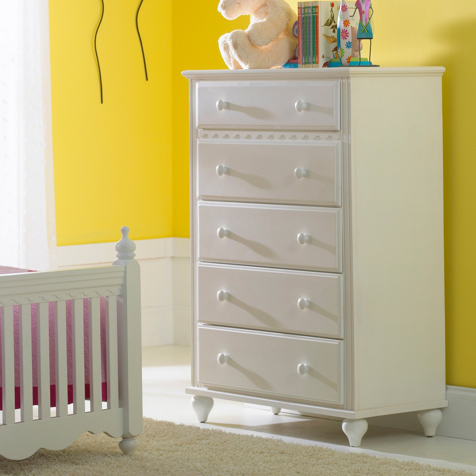 Hillsdale Lauren 5 Drawer Chest - White
