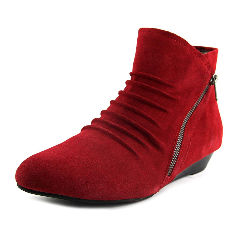 Array Cheyenne  W Round Toe Suede  Ankle Boot