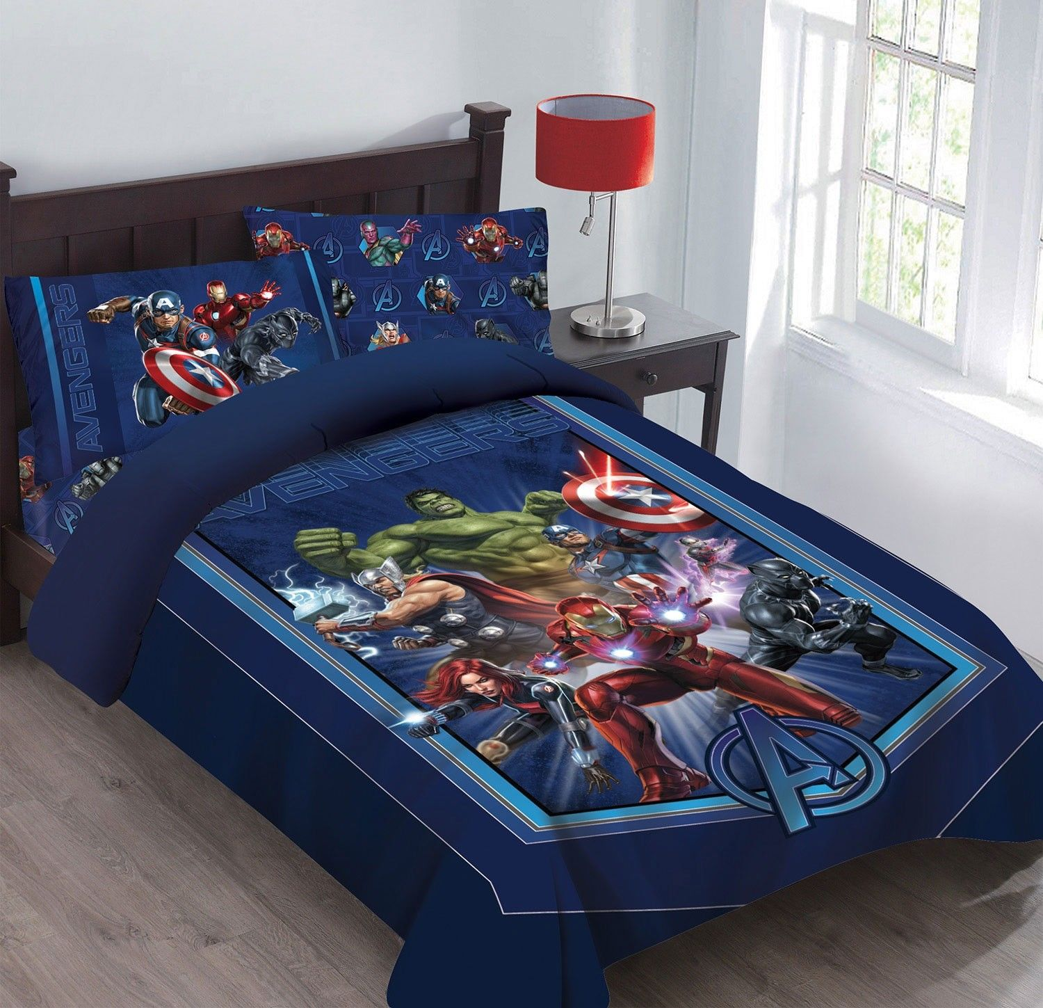 Twin Avengers Marvel BED IN A BAG Comforter Set W/Fitted Sheet And Pillowcase