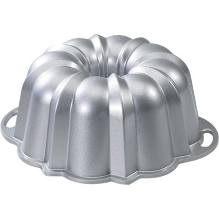 Nordic Ware Anniversary Bundt Pan, 12 Cup by