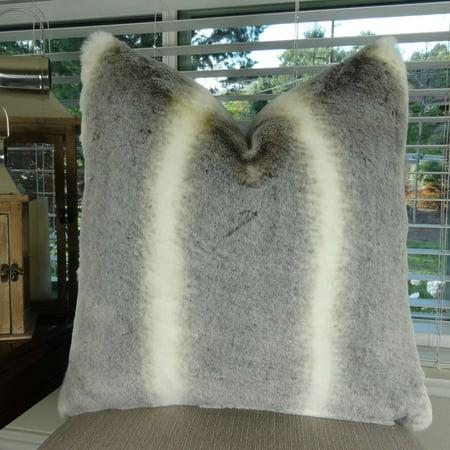 Thomas Collection Luxury Tissavel Gray Cream Chinchilla Faux Fur Pillow - 17444 (Faux Chinchilla)