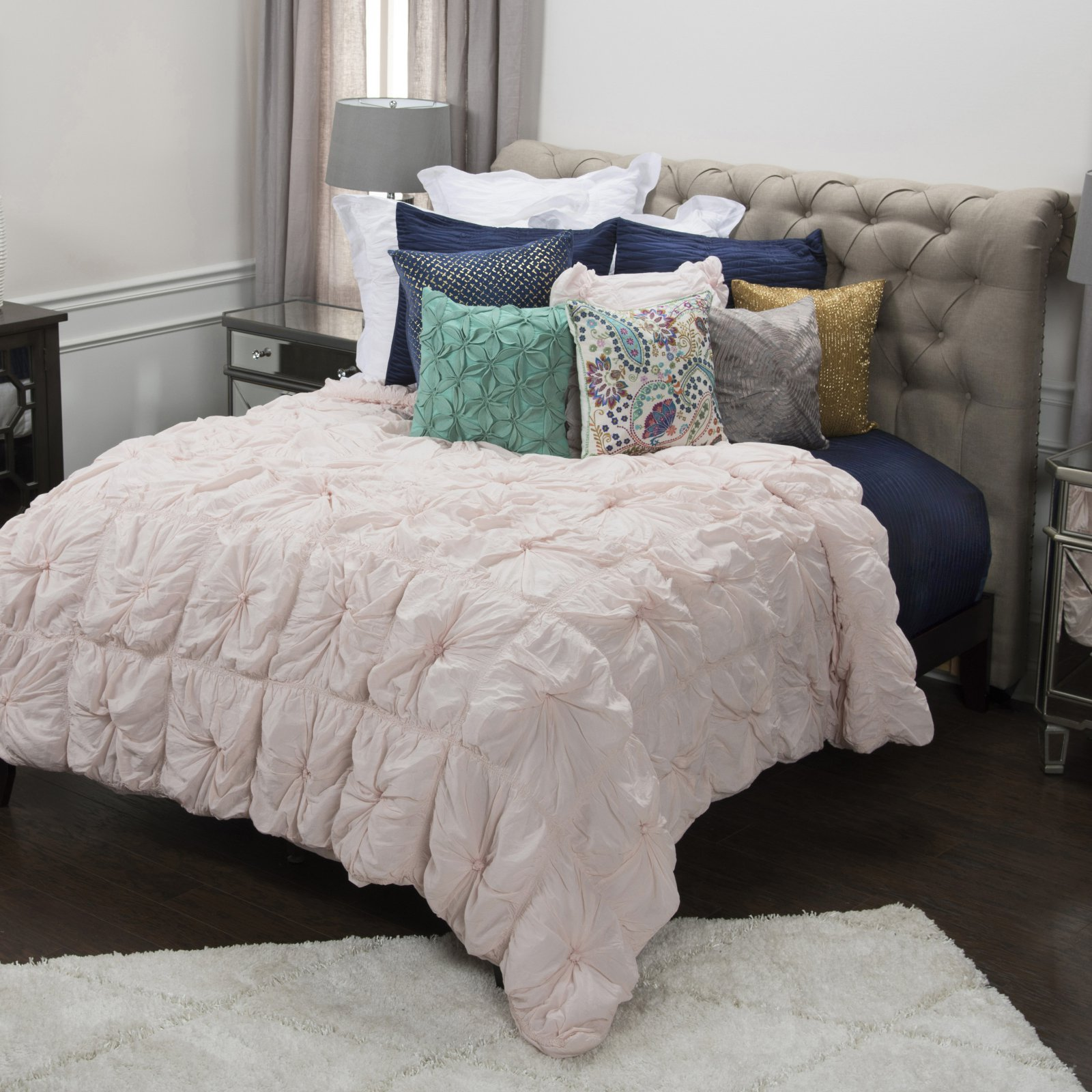 3-Pc Comforter Set in Lt Pink (Full/ Queen)