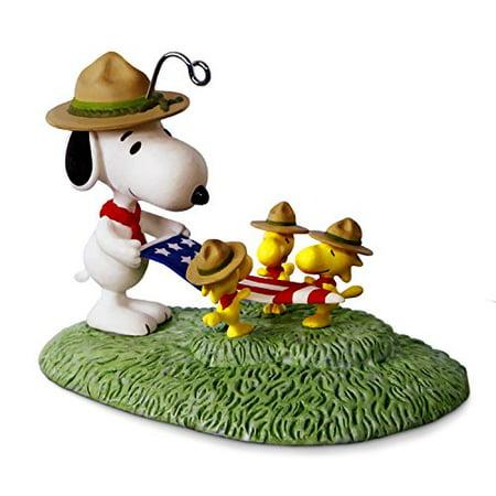 Hallmark Peanuts - Hallmark Peanuts Beagle Scout Flag Folding Keepsake Christmas Ornament