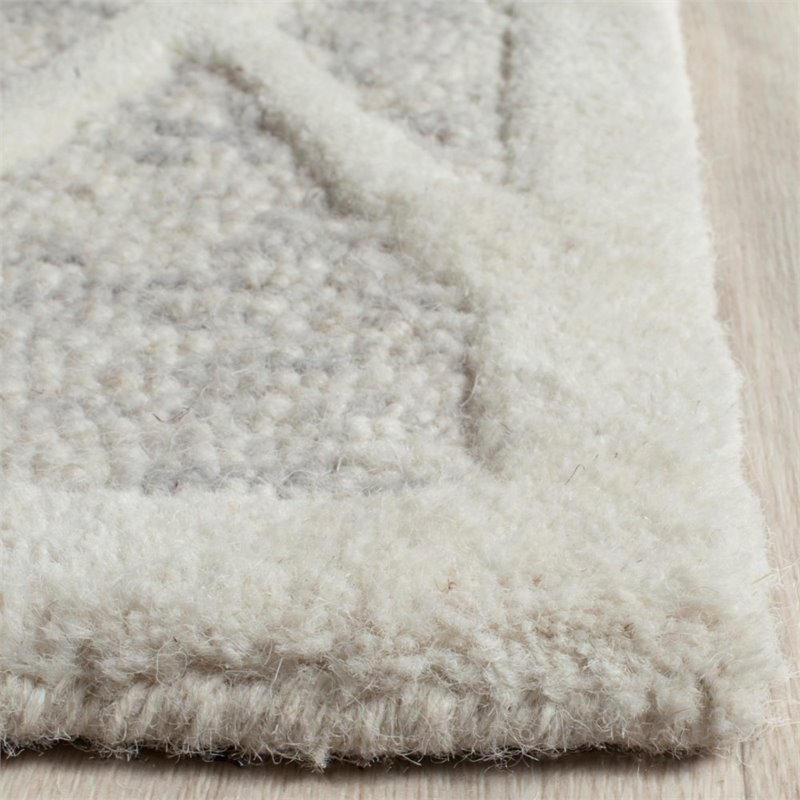Safavieh Cambridge 4' X 6' Hand Tufted Wool Rug in Gray and Ivory - image 1 of 10