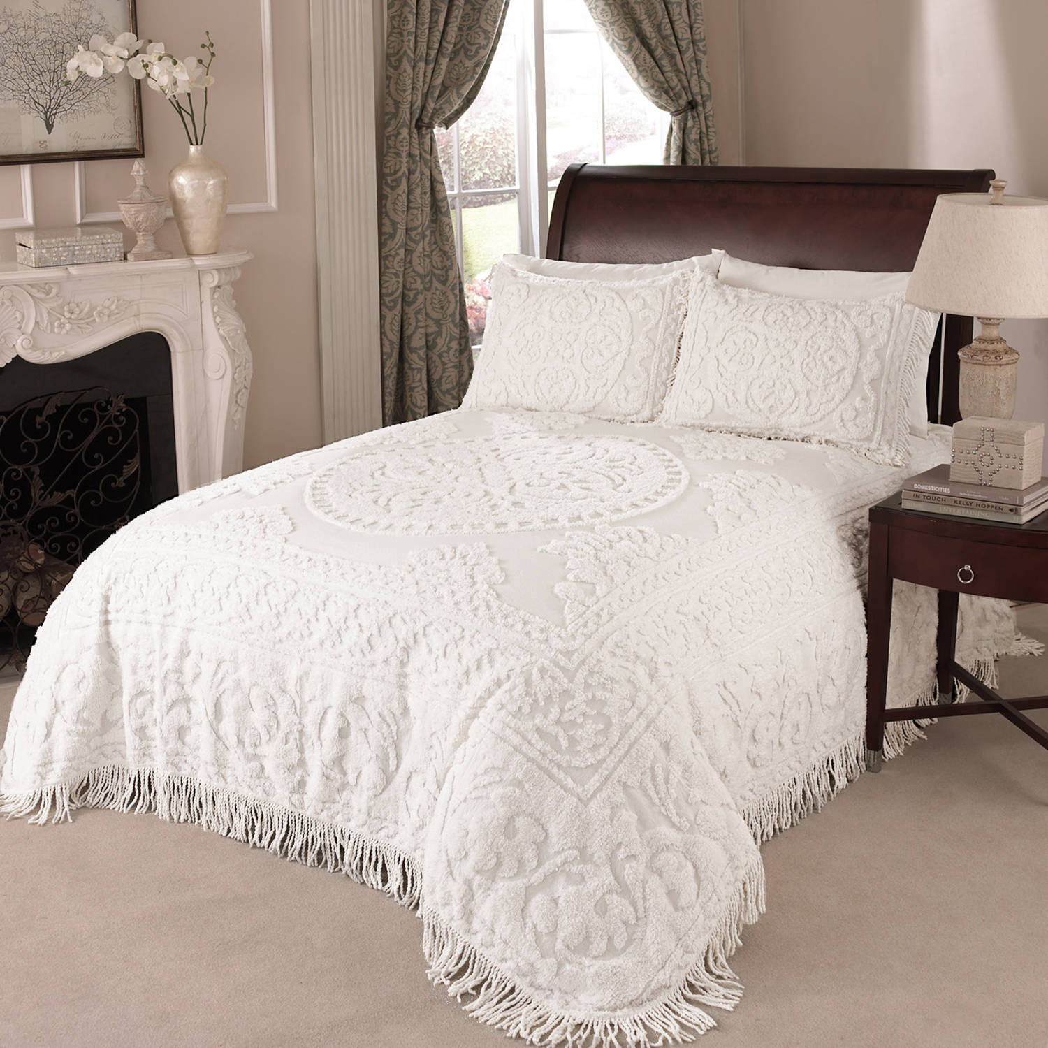 MEDALLION CHENILLE BEDSPREAD FULL WHITE