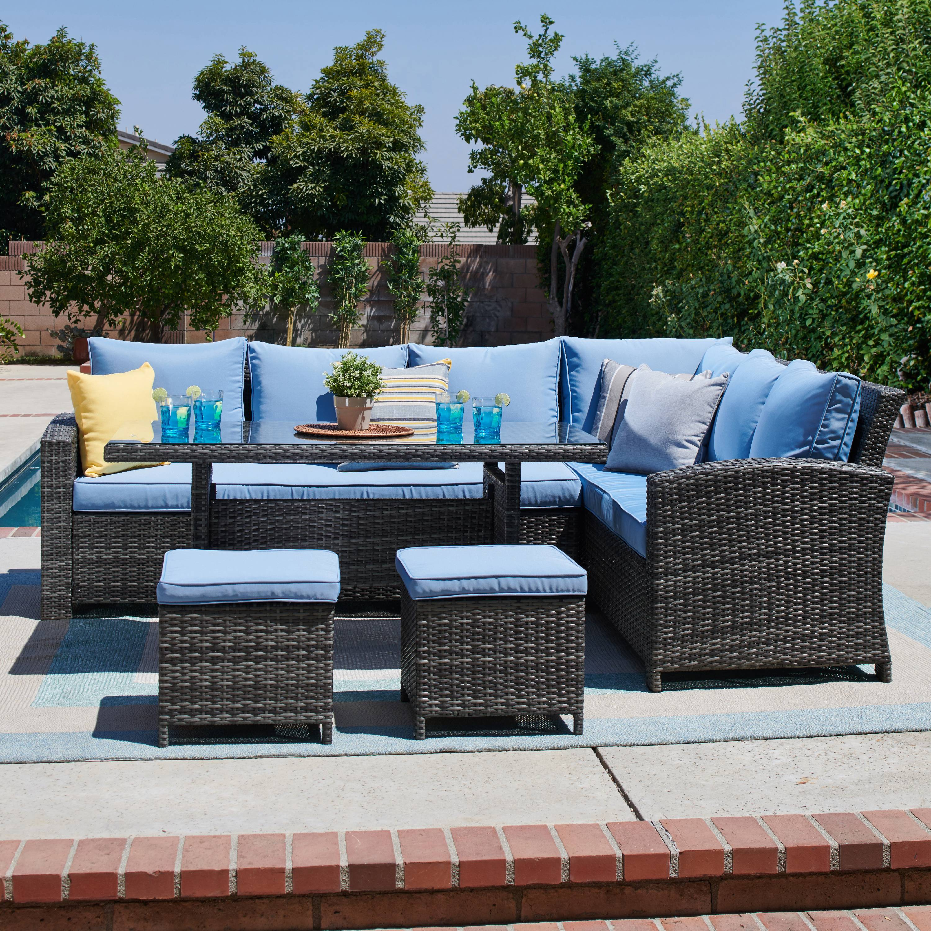 5 Piece Outdoor Sectional And Dining Set In Grey Light Blue