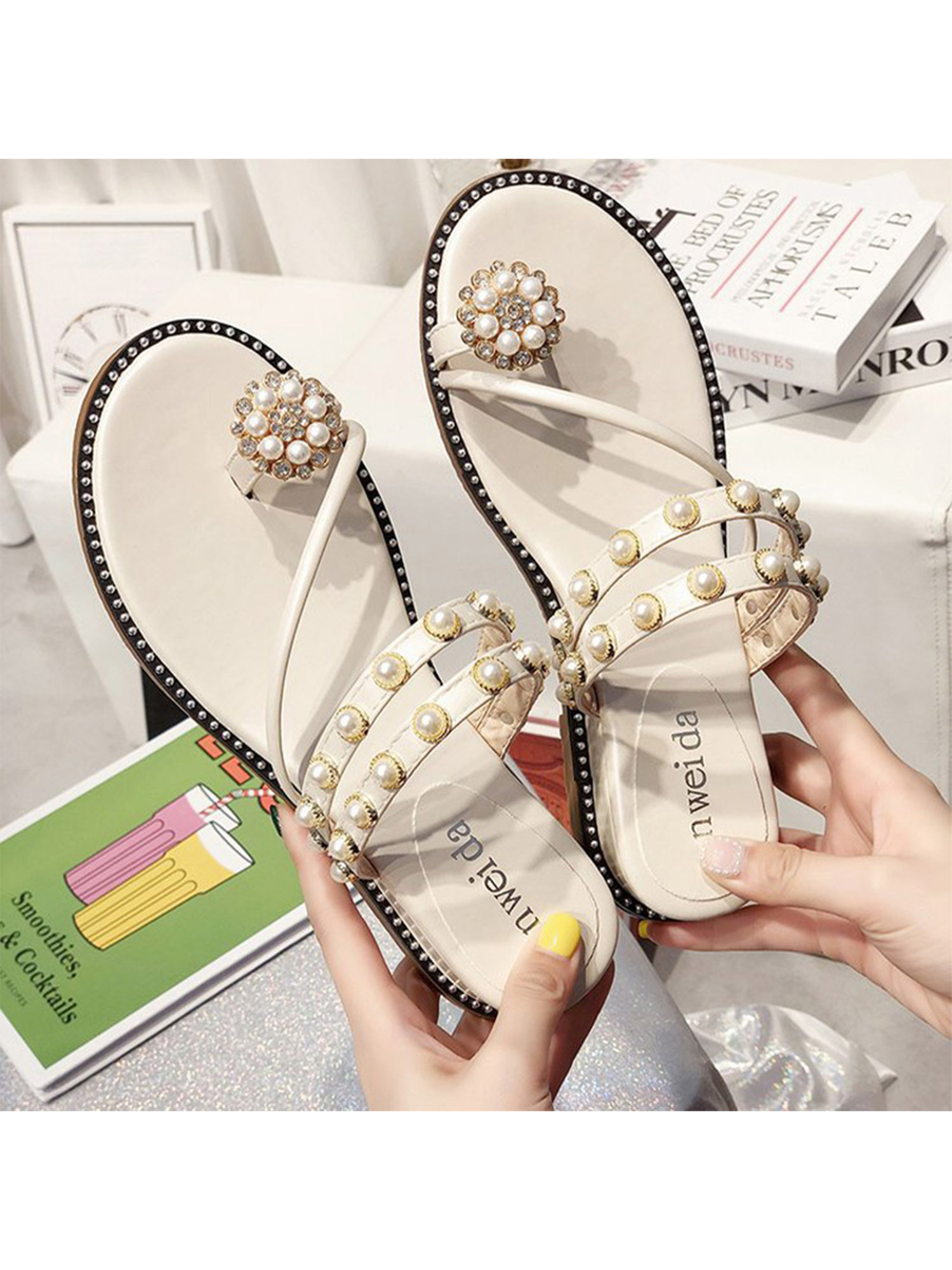 Details about  /Women Rhinestone Flat Sliders Casual Summer Beach Slip On Sandals Mules Slippers