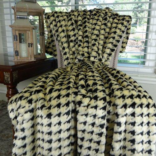 Loon Peak Welling Luxury Houndstooth Faux Fur