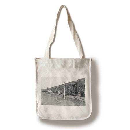 East Peru, Iowa - View of 1st Vermont National Guard Boarding Train (100% Cotton Tote Bag - Reusable) (Boarding School Girl)