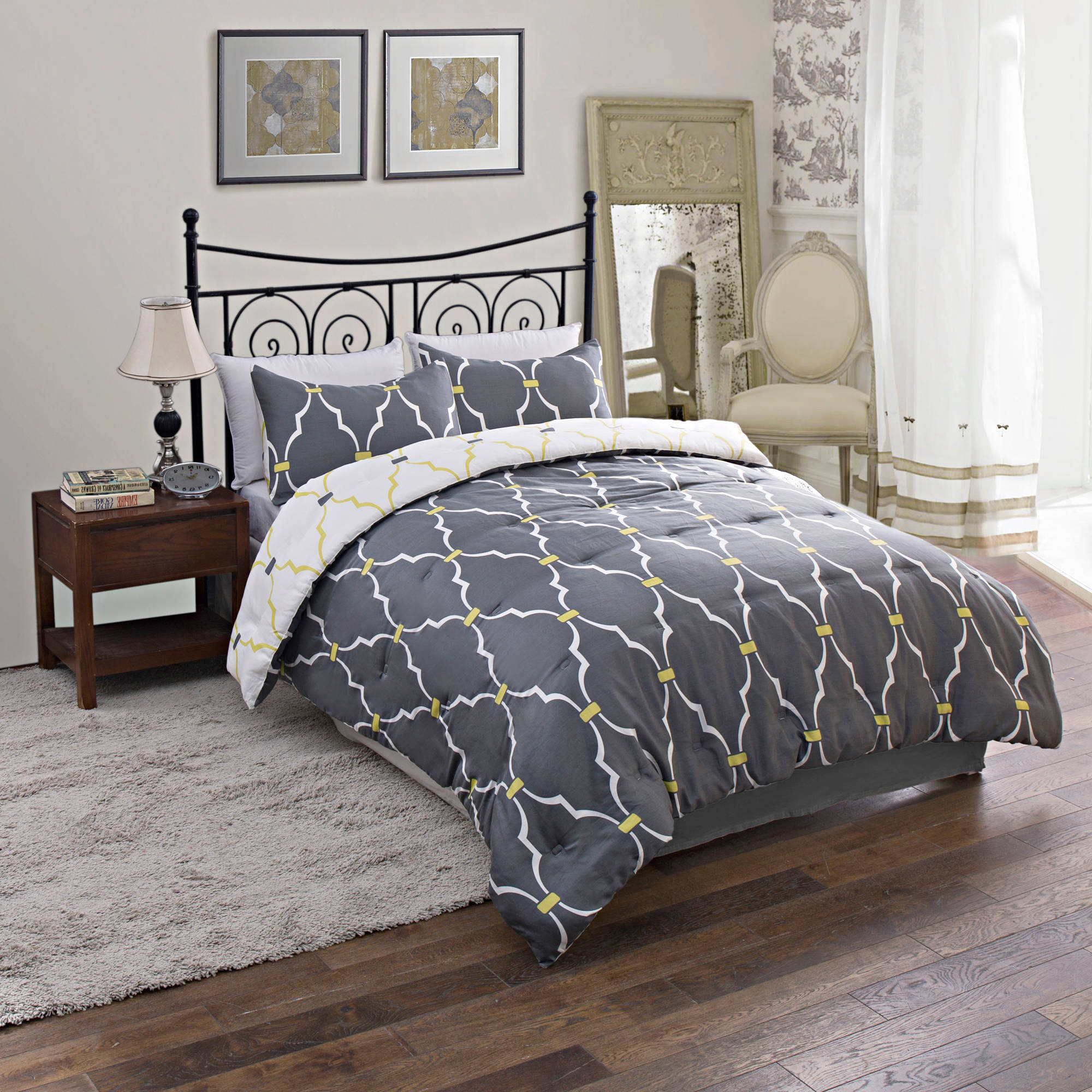 Trellis Reversible Bedding Comforter Set