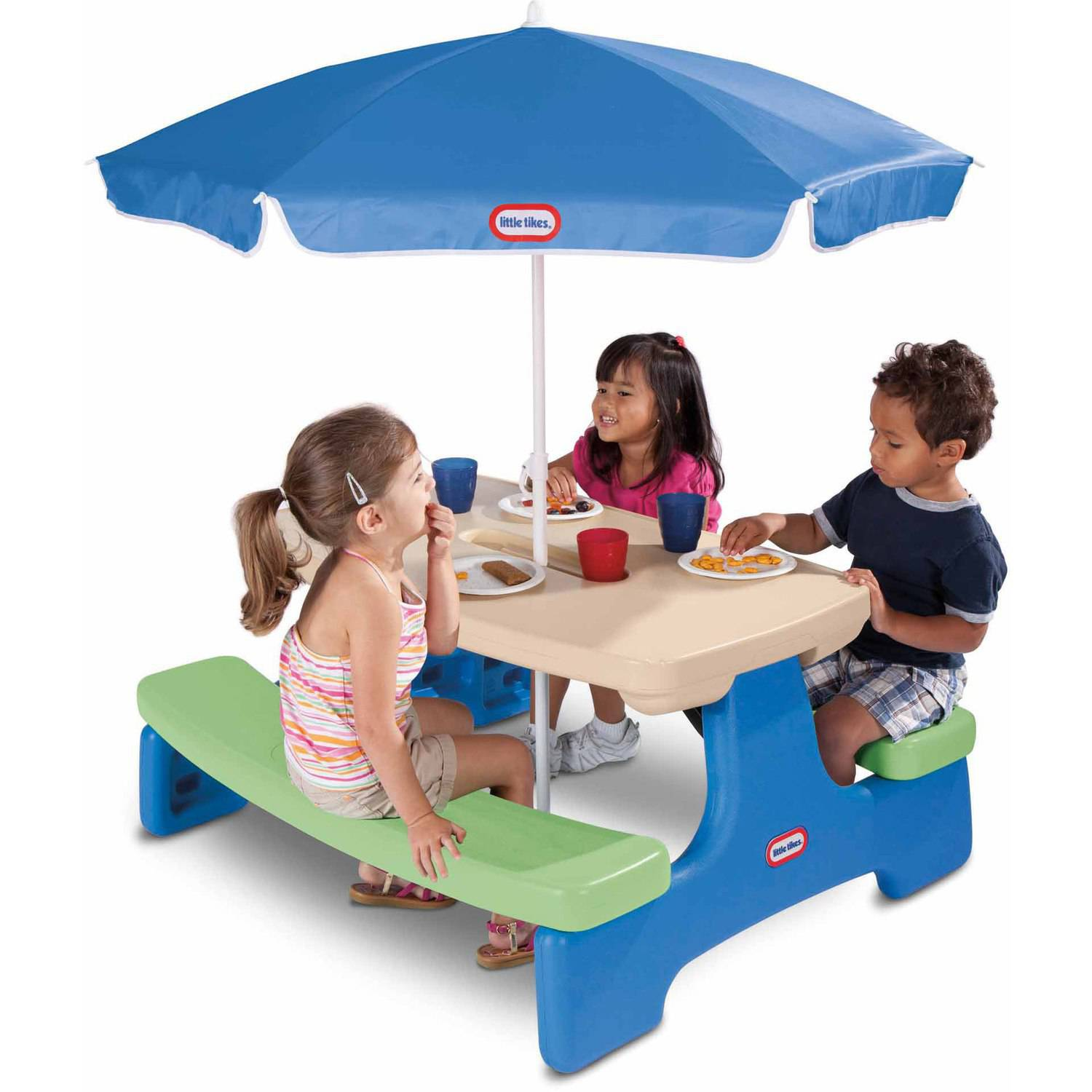 Little Tikes Easy Store Picnic Table with Umbrella by MGA Entertainment