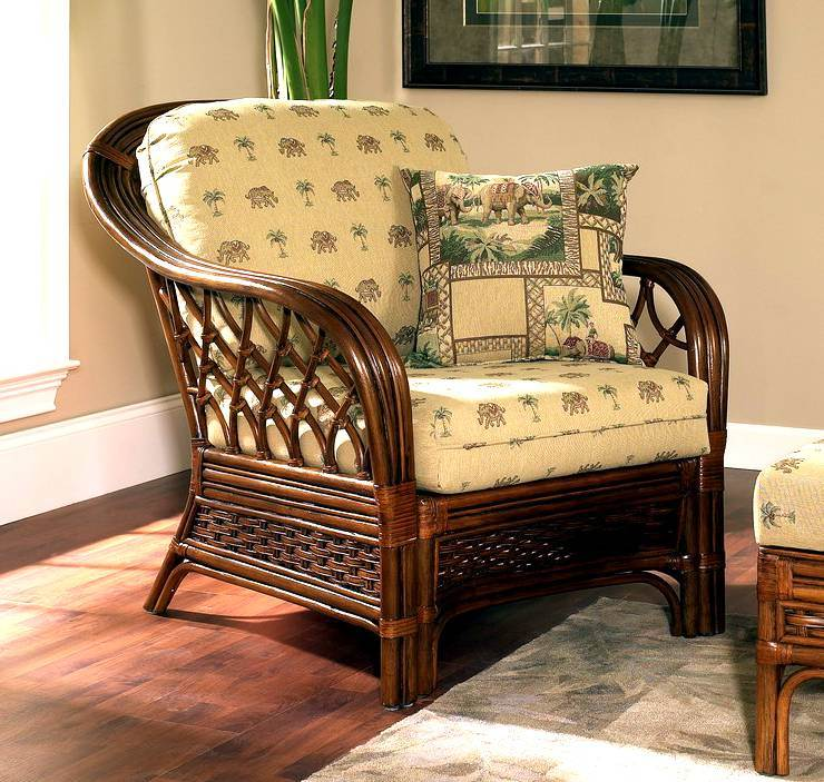 Coco Cay Rattan Arm Chair in Urban Mahogany (641)