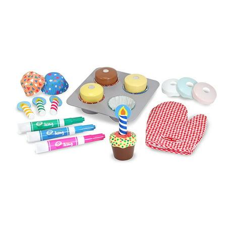 Melissa & Doug Bake & Decorate Cupcake Set ()