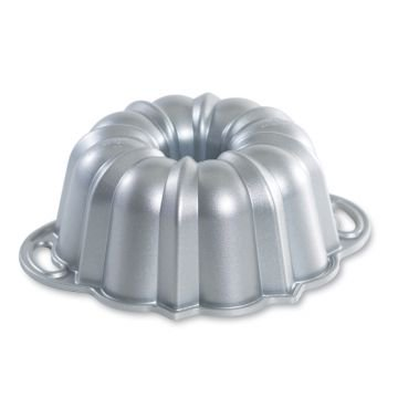 Nordic Ware Platinum Collection 6 Cup Nonstick Cast Aluminum Anniversary Bundt Pan