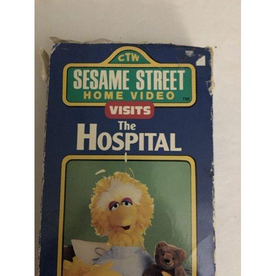 Sesame Street Visits The Hospital-RARE Random House Video VHS-TESTED-SHIPS  N 24H