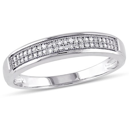 1/8 Carat T.W. Diamond Men's Wedding Band in 10kt White (Mens 18 Carat White Gold Wedding Rings)