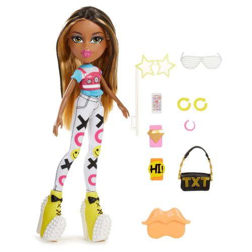 Bratz SelfieSnaps Doll, Sasha by