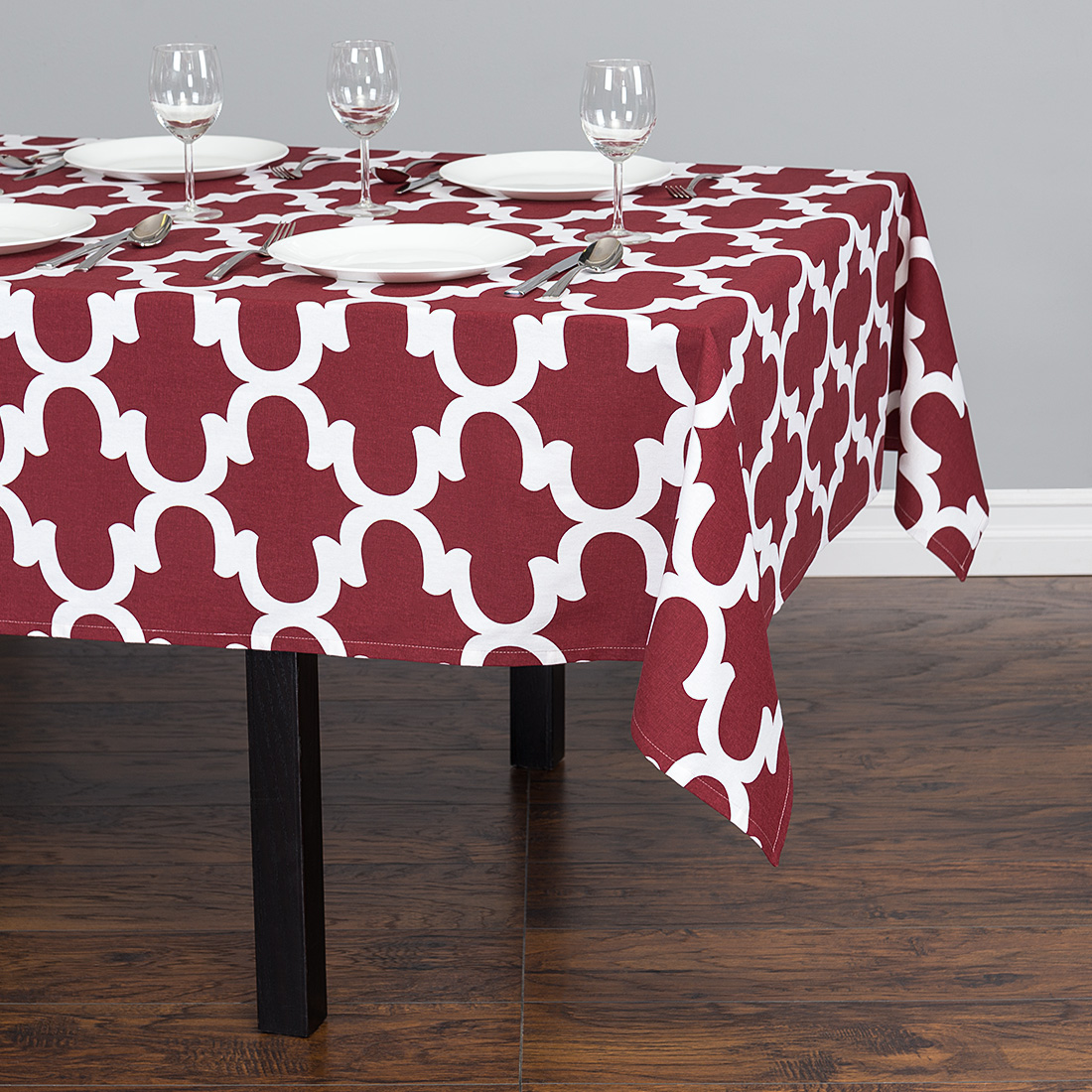 60 x 84 in. Trellis Rectangular Cotton Tablecloth Rosewood & White by