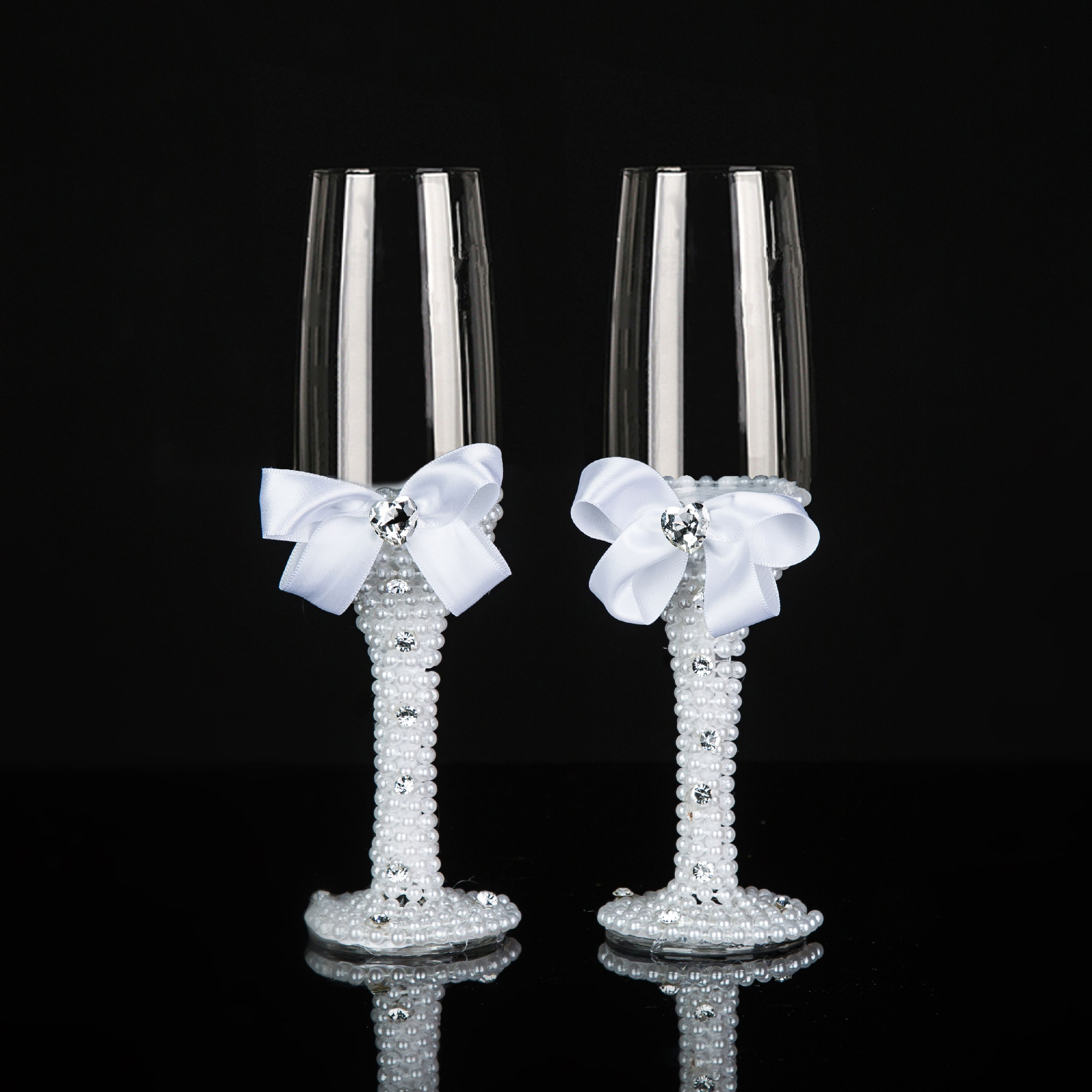 Decorative Wedding Glasses Mrs And Mr Champagne Flutes Toasting Glasses For  Bride And Groom - Wedding Gift Idea - Walmart.com