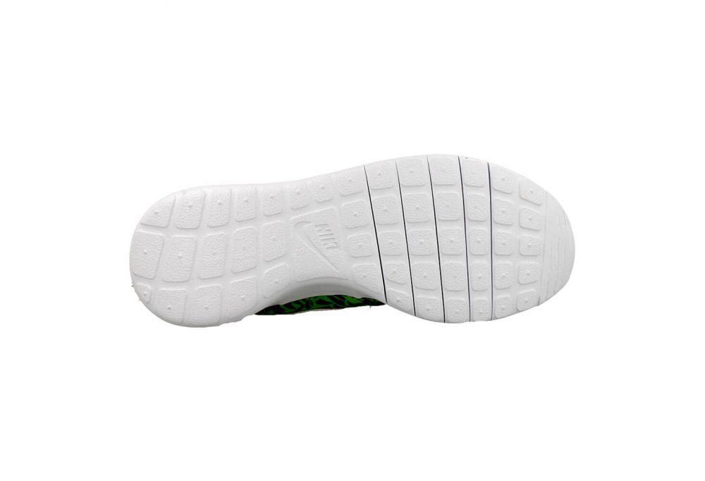 Nike (GS) Roshe One Print  Running Shoe (7 M US Big Kid)