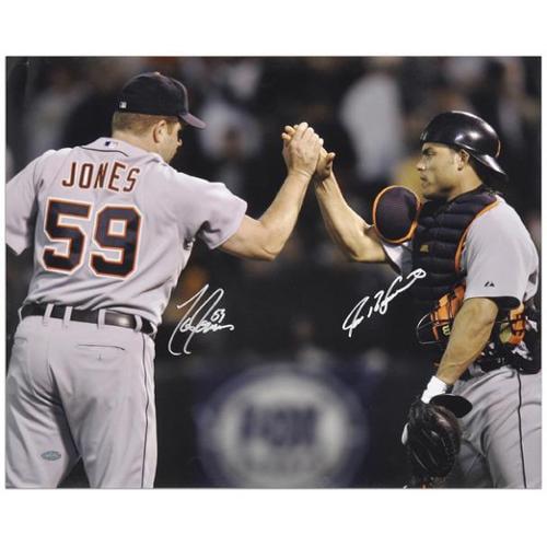 "Ivan Rodriguez and Todd Jones Detroit Tigers Autographed 16"" x 20"" Horizontal Hand Shake Photograph - Fanatics Authentic Certified"