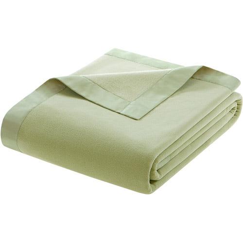 E & E CO LTD Generic Comfort Classics Micro Fleece Blanket