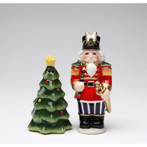 Cosmos Gifts Nutcracker Salt and Pepper Set