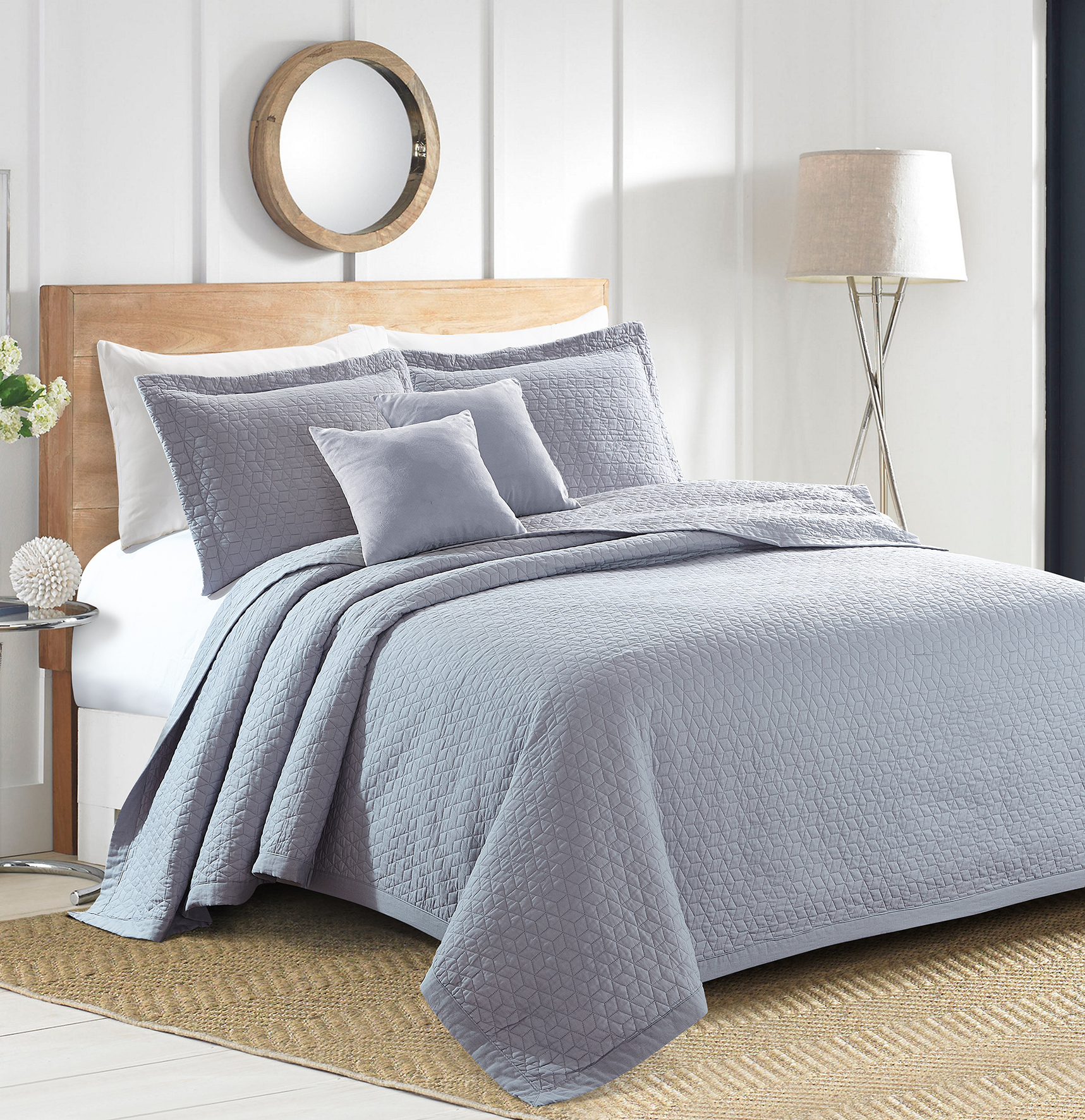Sherry Kline Out of the Box Embroidered 3-piece King Light grey Cotton Quilt Set