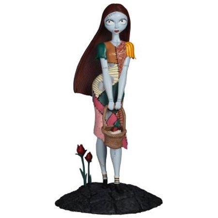 Halloween Falls On The Night Before (Diamond Select Toys Night Before Christmas Femme Fatales Sally PVC)