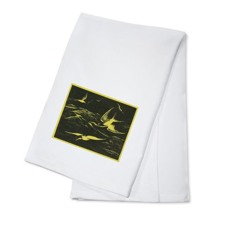 Nature Magazine - View of Sea Gulls Flying above the Ocean (100% Cotton Kitchen Towel)
