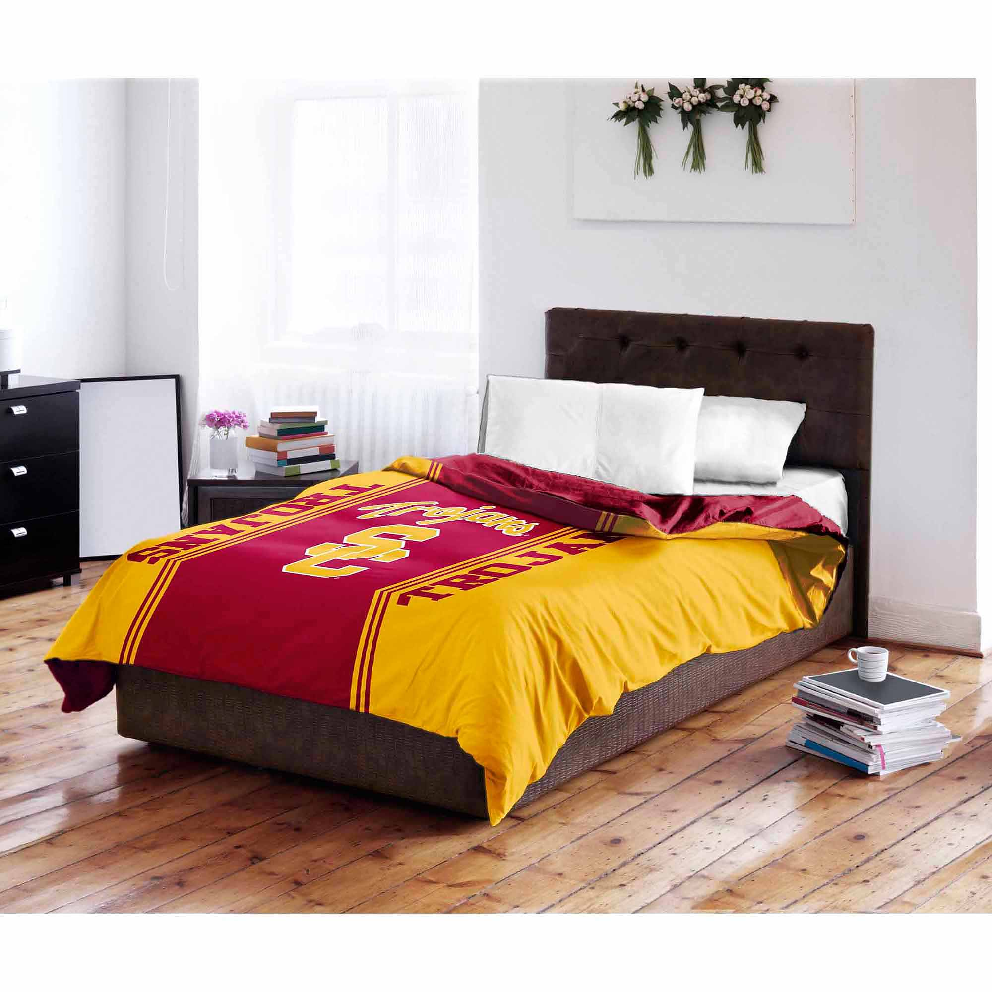 NCAA USC Trojans Twin & Full Bedding Comforter Set, 1 Each