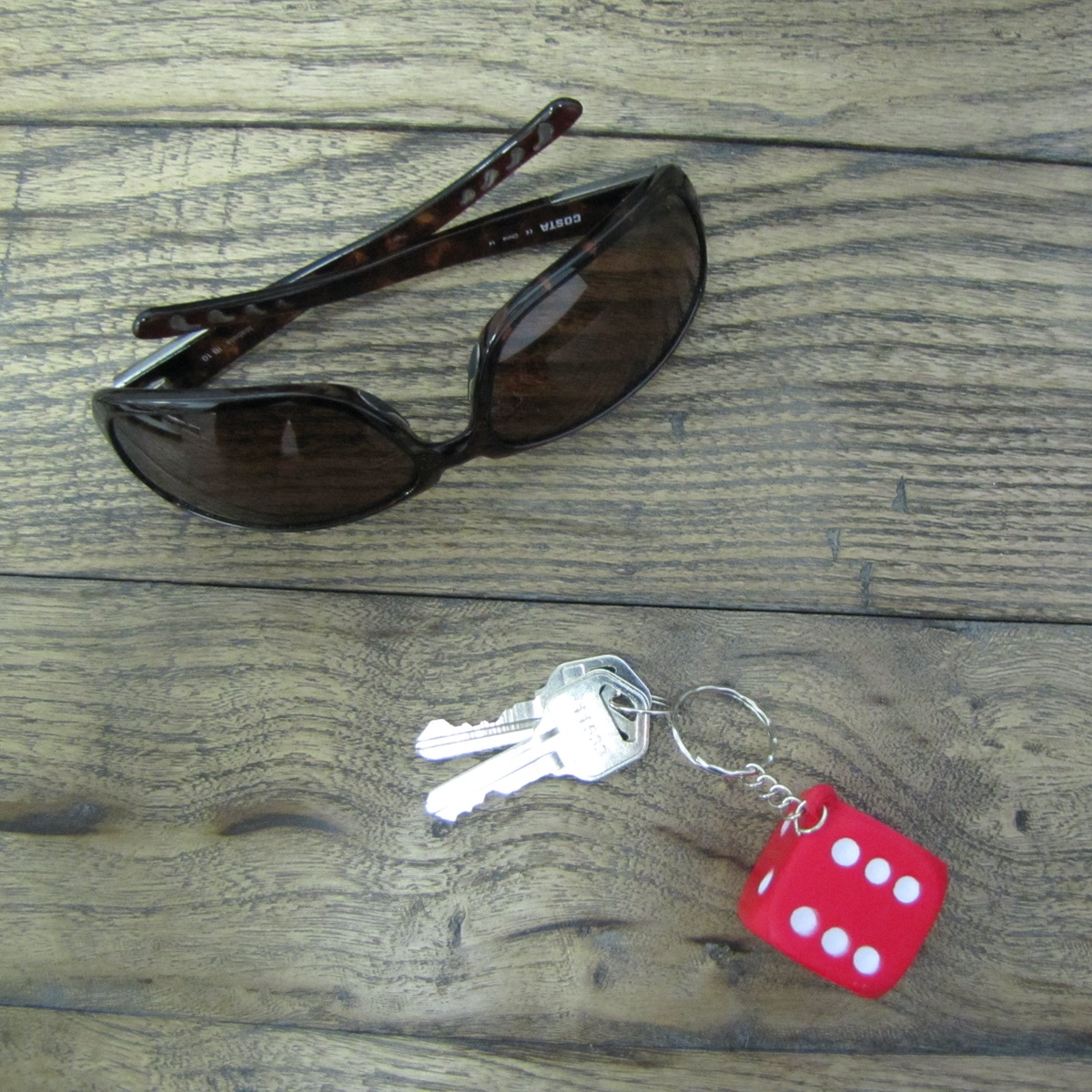 Red Dice Car Keyring Truck Keychain Foam Die Key Chain Ring Pendant Bag Charm