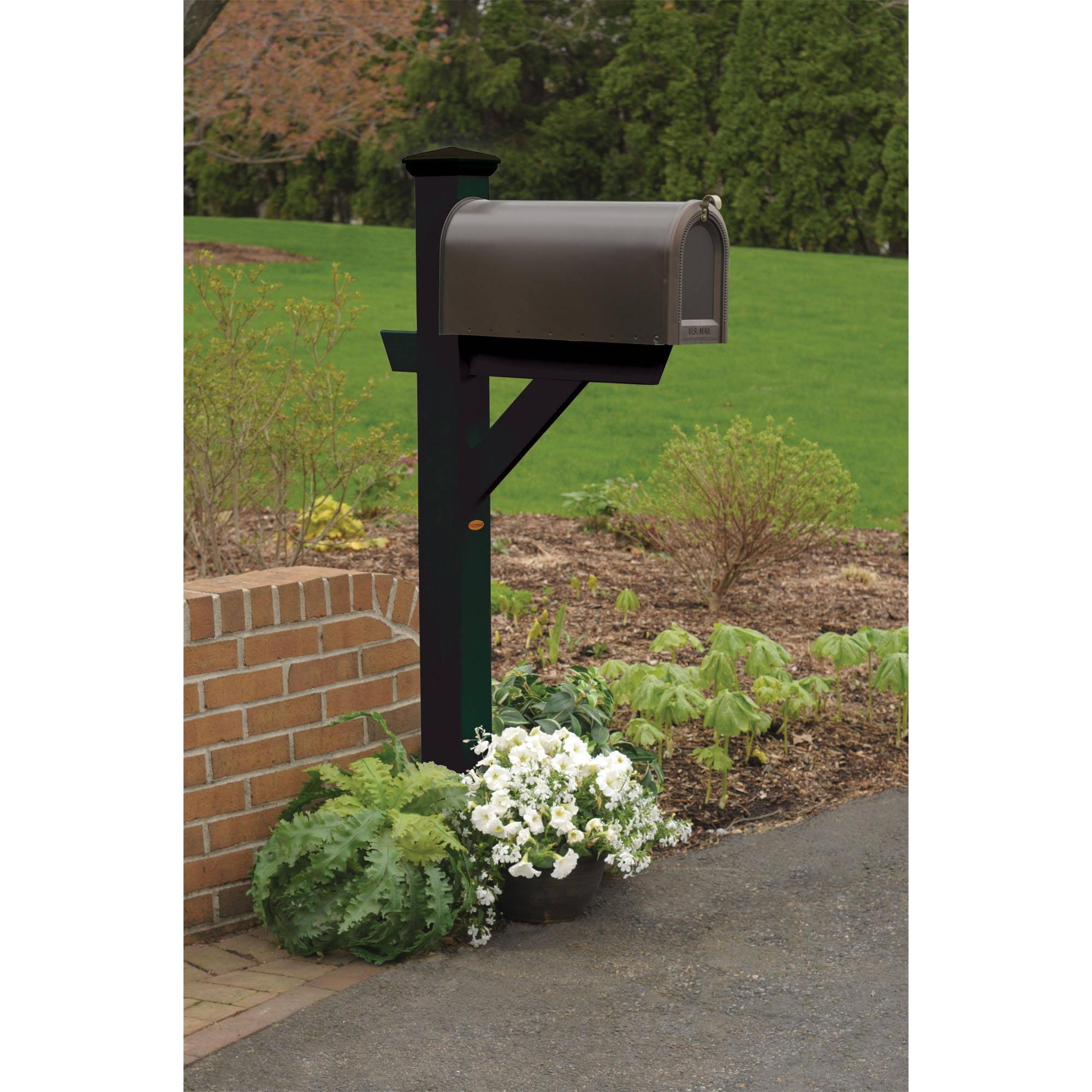 Highwood Eco-Friendly Hazleton Mailbox Post