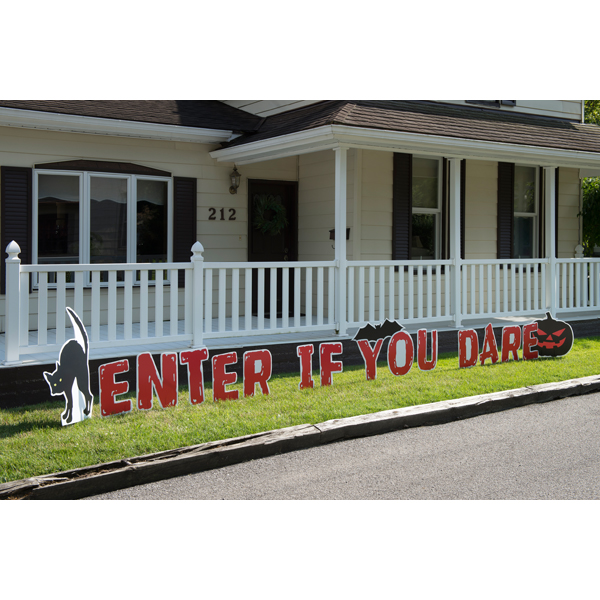 17 Piece Outdoor Enter if You Dare Yard Signs