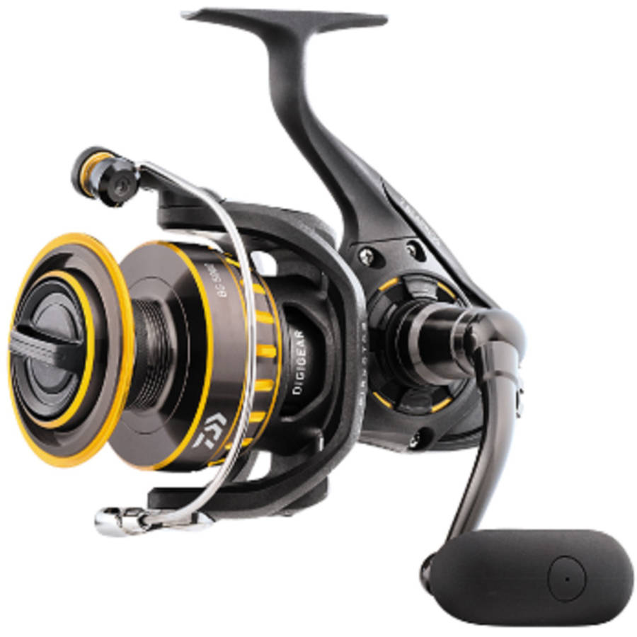 "Daiwa BG Saltwater Spinning Reel 1500, 5.6:1 Gear Ratio, 6+1 Bearings, 28.30"" Retrieve Rate, 4.40 lb Max Drag"