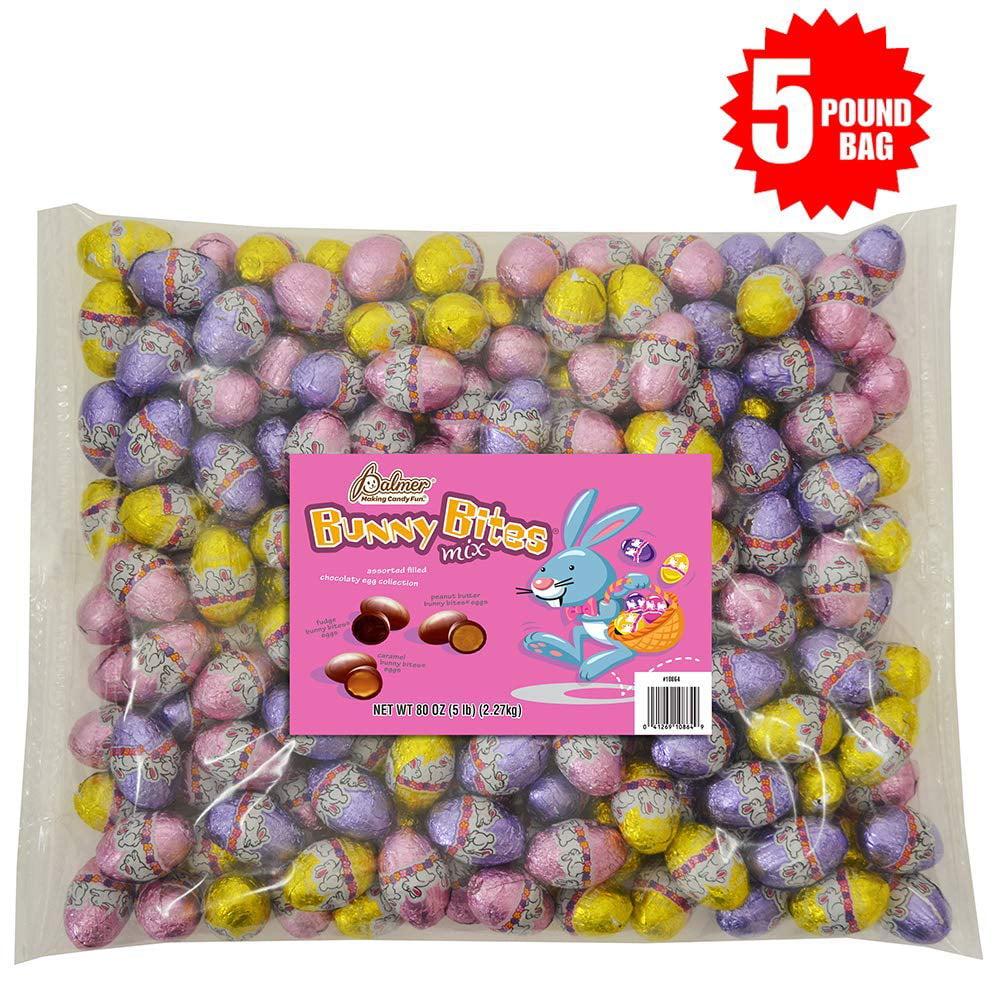 318 Easter chick in egg treat bag.