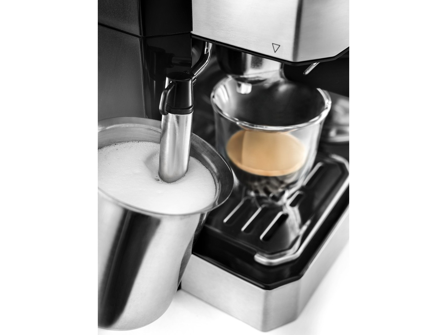 Delonghi Combination Coffeeespressocappuccino Machine With Frother