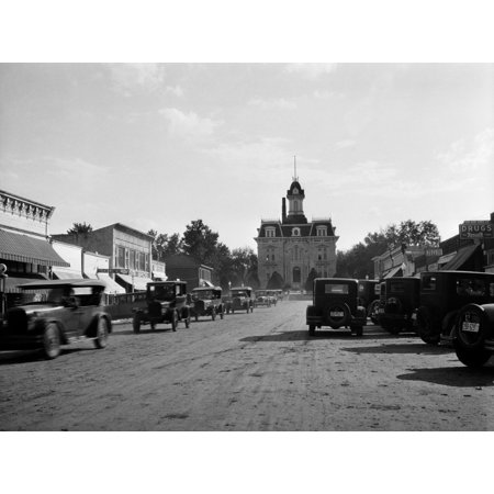 - 1920s-1928 View Of Cottonwood Falls Kansas Main Street With Traffic Poster Print By Vintage Collection