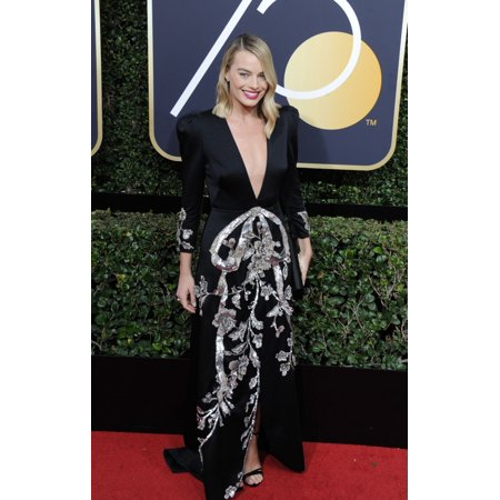 Margot Robbie At Arrivals For 75Th Annual Golden Globe Awards   Arrivals The Beverly Hilton Hotel Beverly Hills Ca January 7 2018 Photo By Dee Cerconeeverett Collection Celebrity