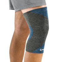 Mueller 4-Way Stretch Premium Knee Support with Thermo Reactive Technology, Large/Extra Large