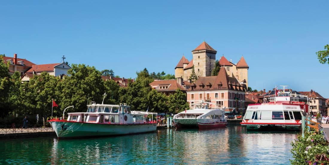 annecy haute savoie department rhone alpes france chateau d 39 annecy seen over the thiou river. Black Bedroom Furniture Sets. Home Design Ideas