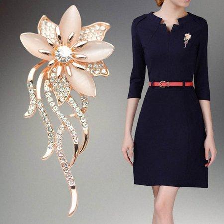 Girl12Queen Women's Flower Brooch Pin Shiny Rhinestone Party Jewelry Scarf Garment Gift