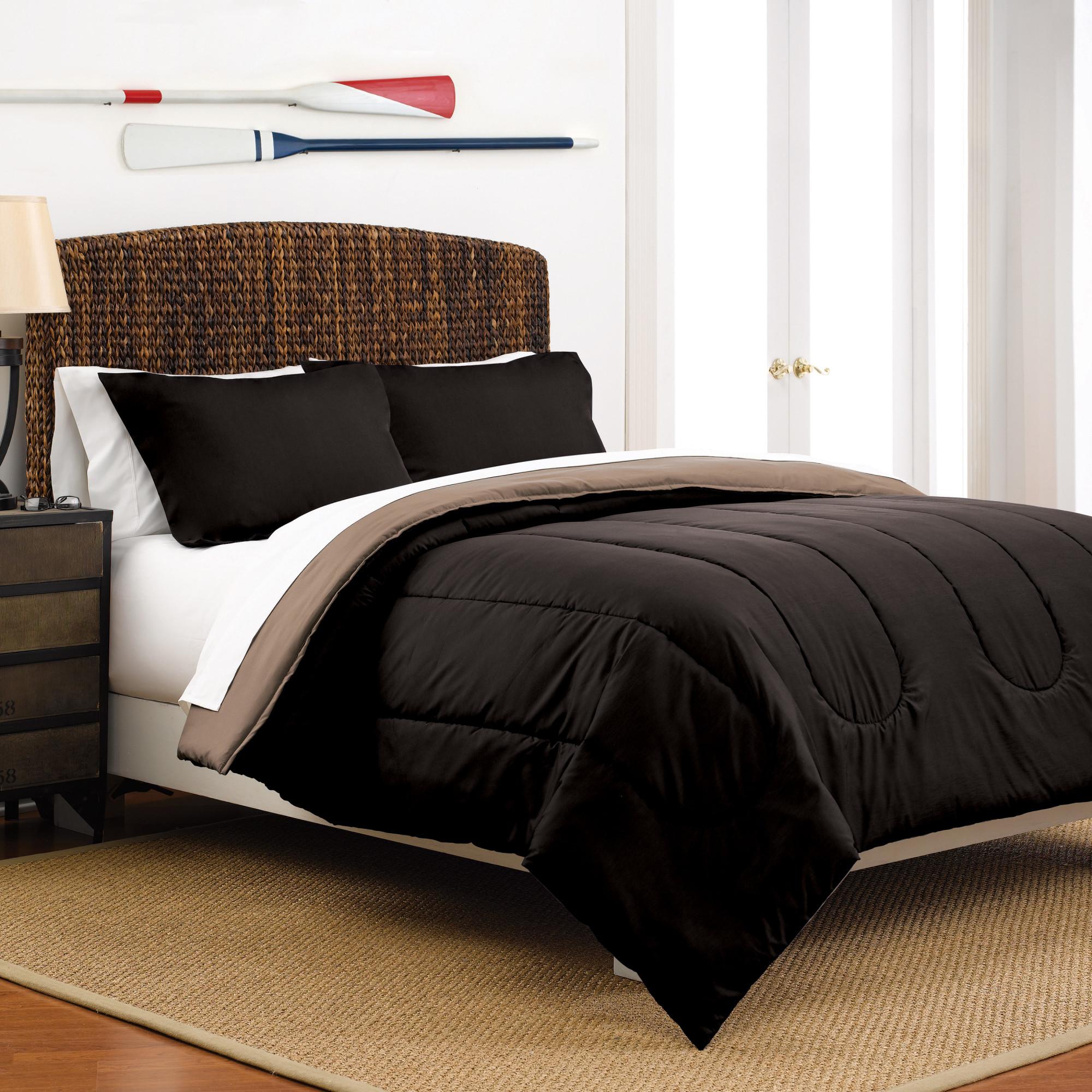 Reversible Full/Queen Light Grey/Navy Comforter Set