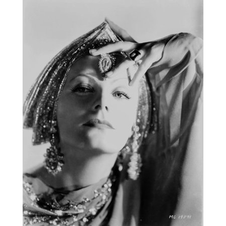 Greta Garbo wearing Indian Outfit Portrait Print Wall Art By Movie Star News - Movie Star Outfits