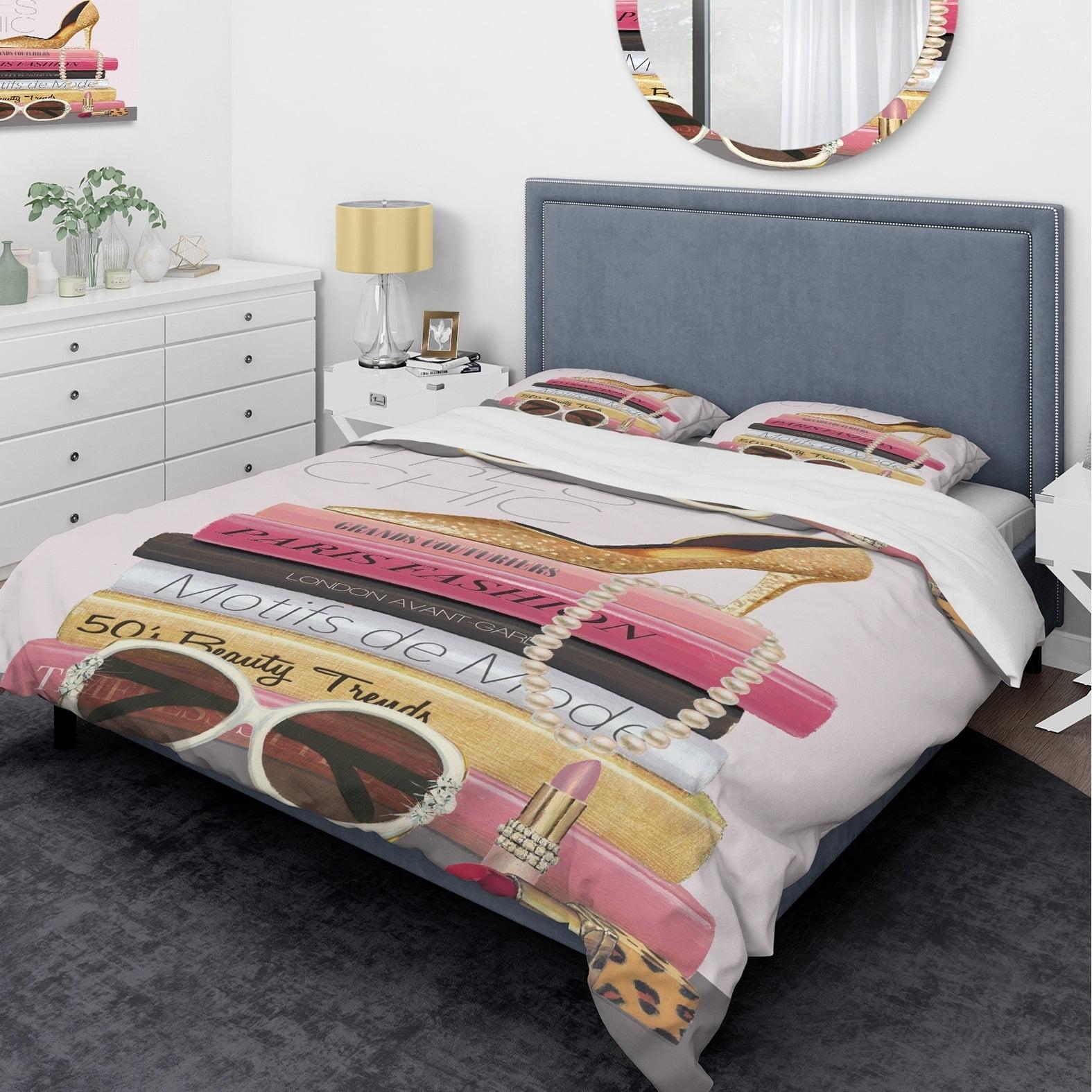 DESIGN ART Designart 'Paris Style II Gold and Black Tres Chic' Glam Bedding Set - Duvet Cover & Shams